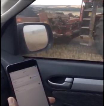Um dos inúmeros testes realizados de sincronização no campo, com uso do smartphone