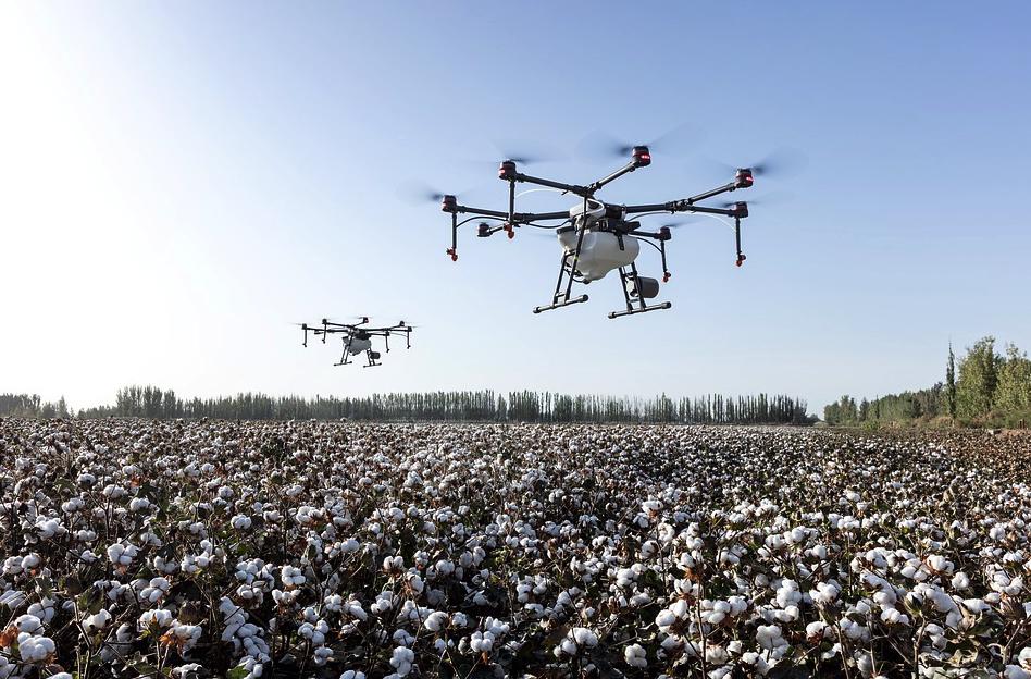 Diferentes tecnologias, como os drones, passaram a fazer parte da rotina do produtor rural